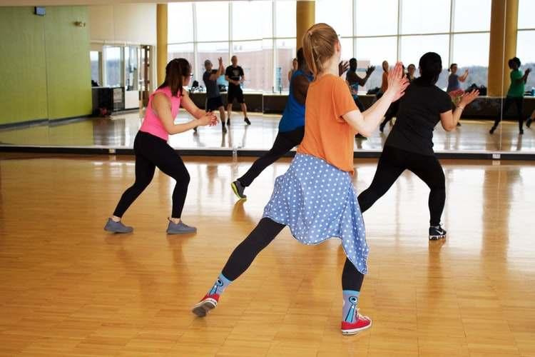 Thể dục thẩm mỹ: các  bài tập cho eo thon, cơ săn chắc