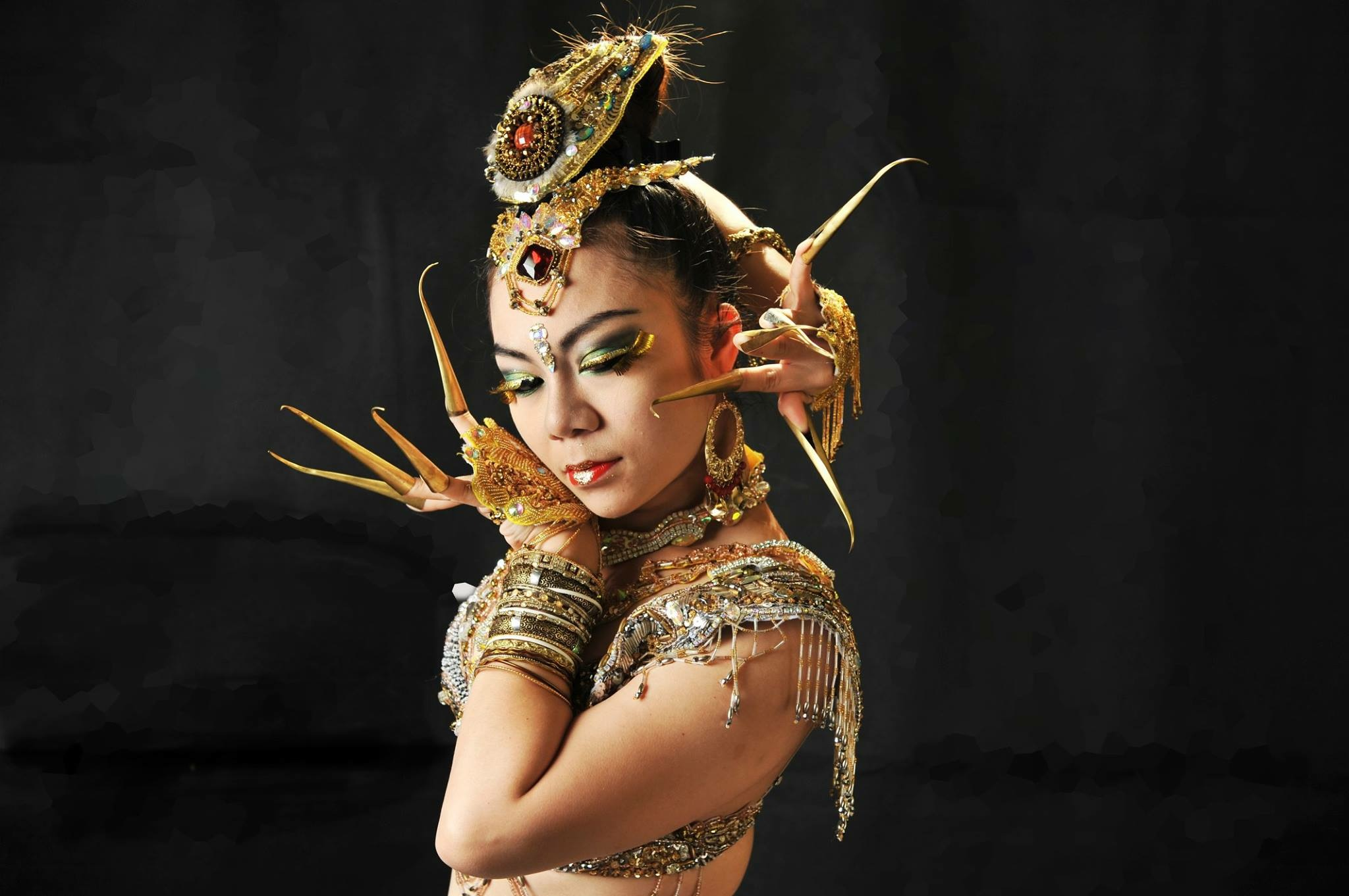 Học Belly dance cơ bản và vũ đạo